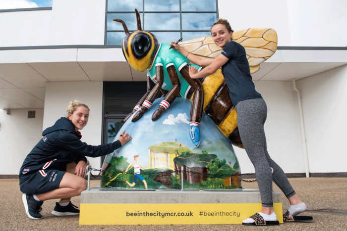 Laura Kenny & Elinor Barker sign the Bee